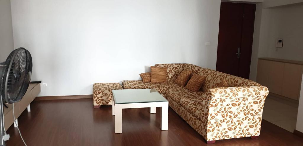 Cần bán gấp CHCC STAR TOWER Dương Đình Nghệ, diện tích 99m2 đủ nội thất, giá bán 33Tr/m.
