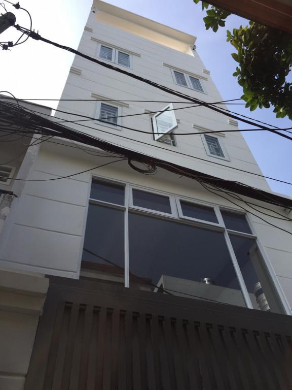 Nhà mới chính chủ hxh 20/ đường 8 p11 gò vấp , 1 lửng 3 lầu
