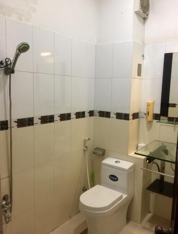 toilet-1l-1--1554780571.JPG